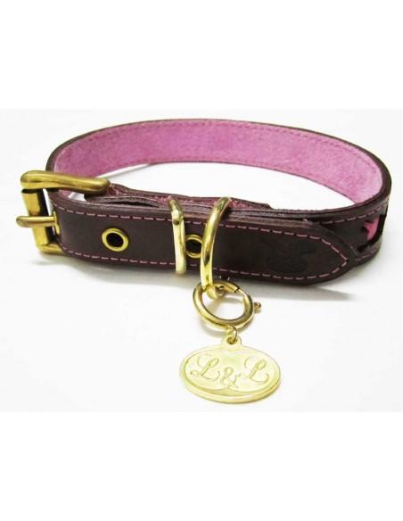 Collar para perro de piel marrón modelo calavera rosa
